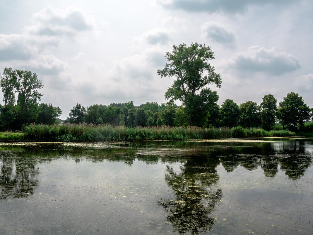 Озеро рядом с замком Хунсбурк, Голландия - Witalij Loewin