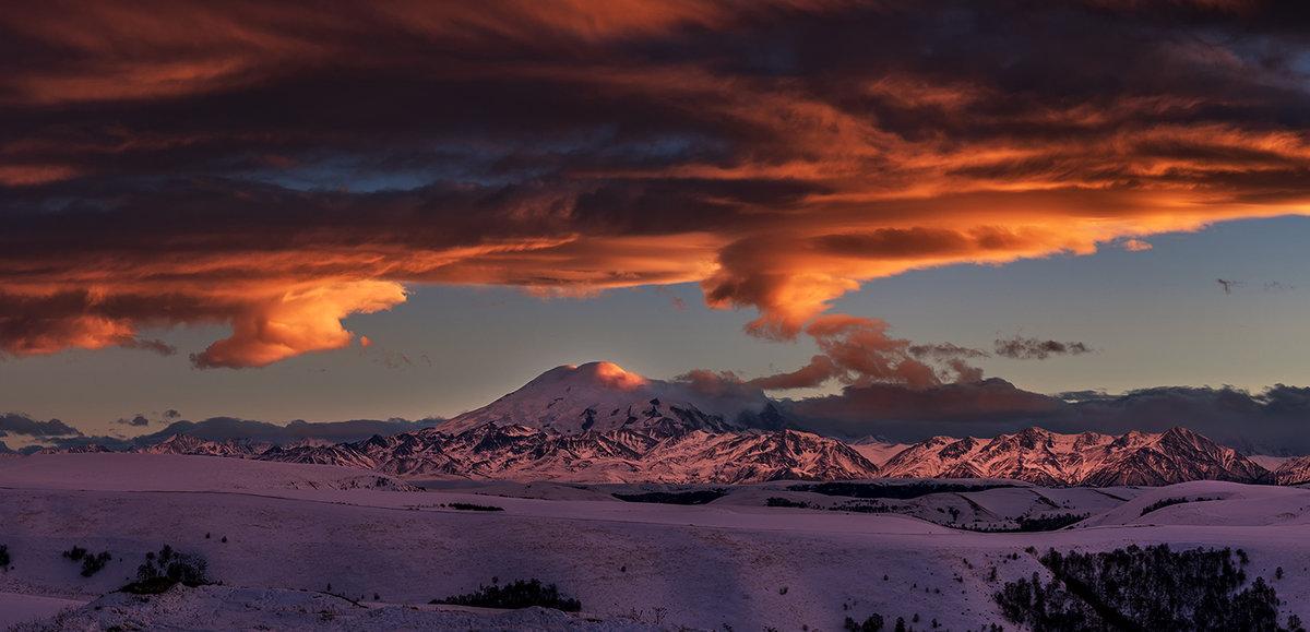 Закат над Эльбрусом - Александр Хорошилов