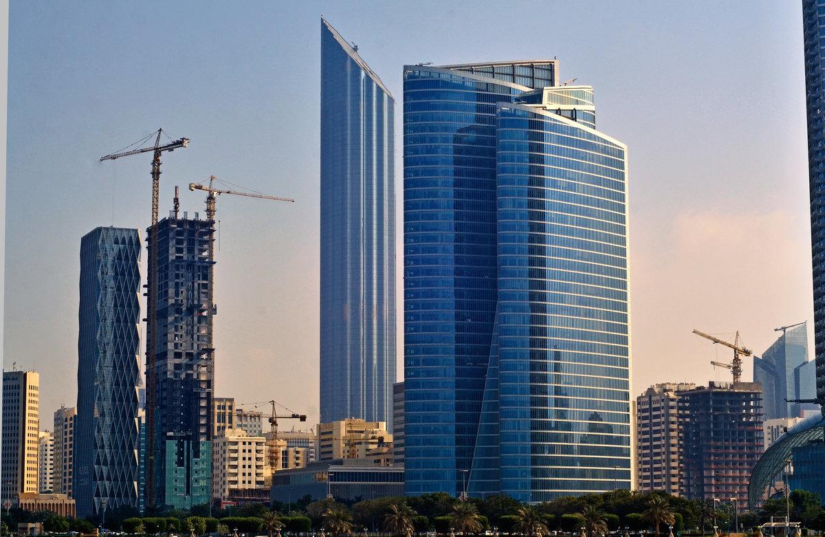 Высотки Абу Даби. - Валентина Потулова