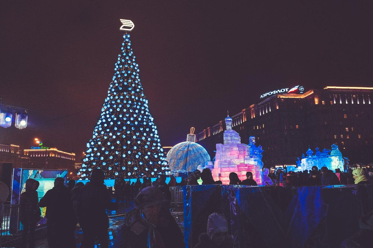 Новогодняя столица - Александр Колесников
