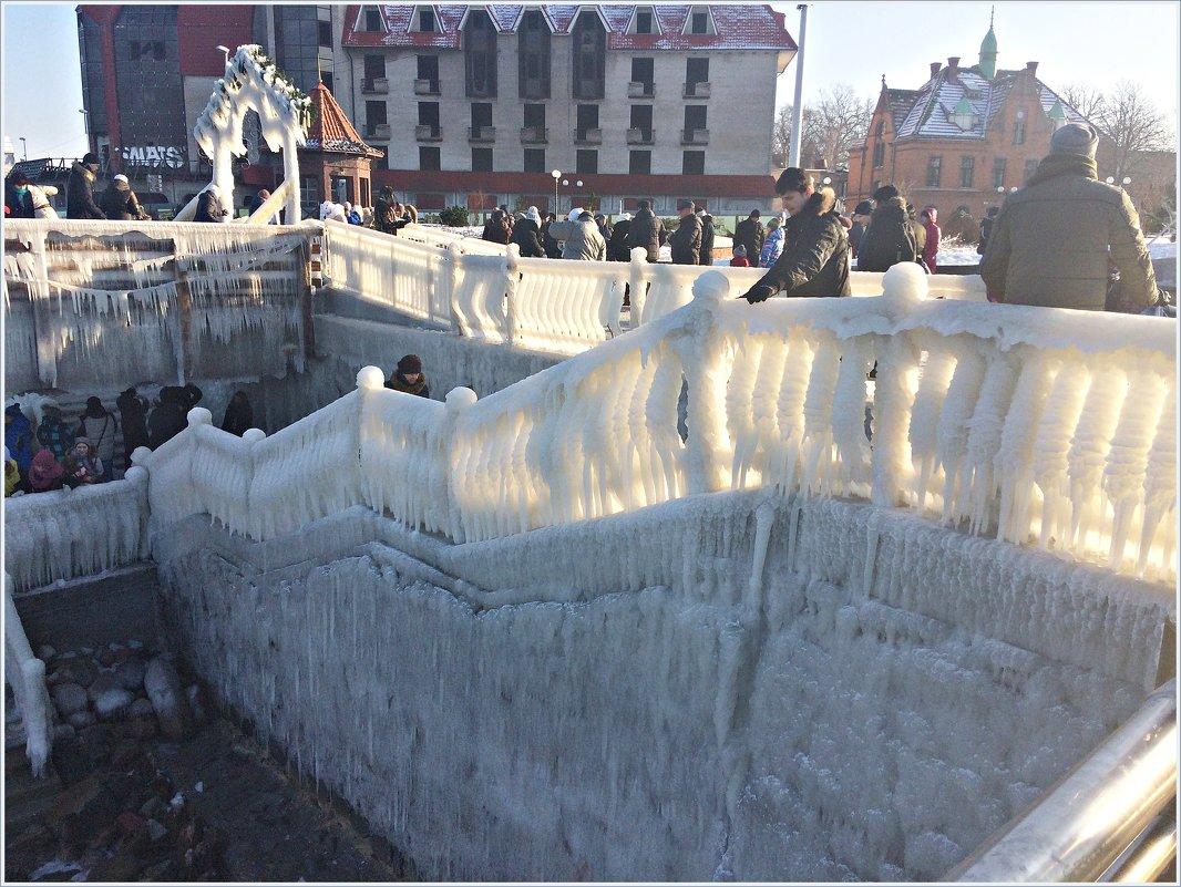 Спуск к морю после шторма и мороза. - Валерия Комова