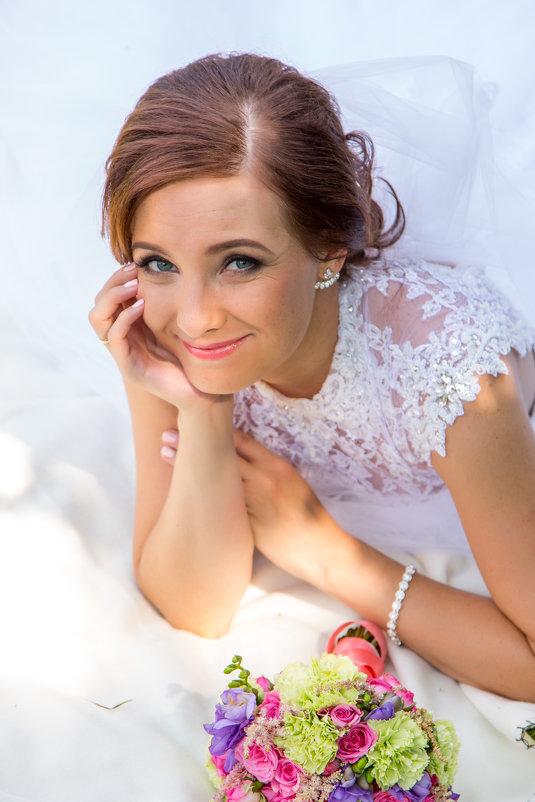 портрет невесты в парке - Егор Чеботаренко