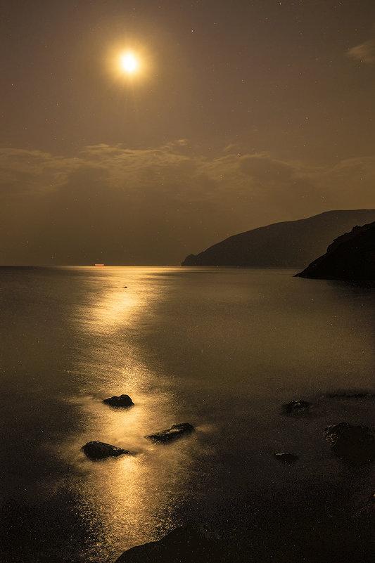 Ярко светит луна... - Александр Бойко