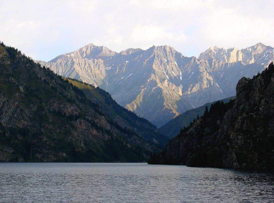 Озеро Сары-Челек в Киргизии - GalLinna Ерошенко