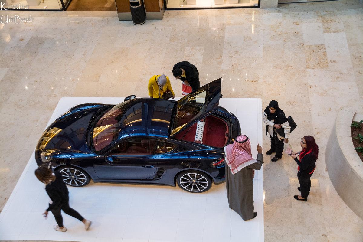 Автошоу в Кувейте (серия) - Kristina Suvorova