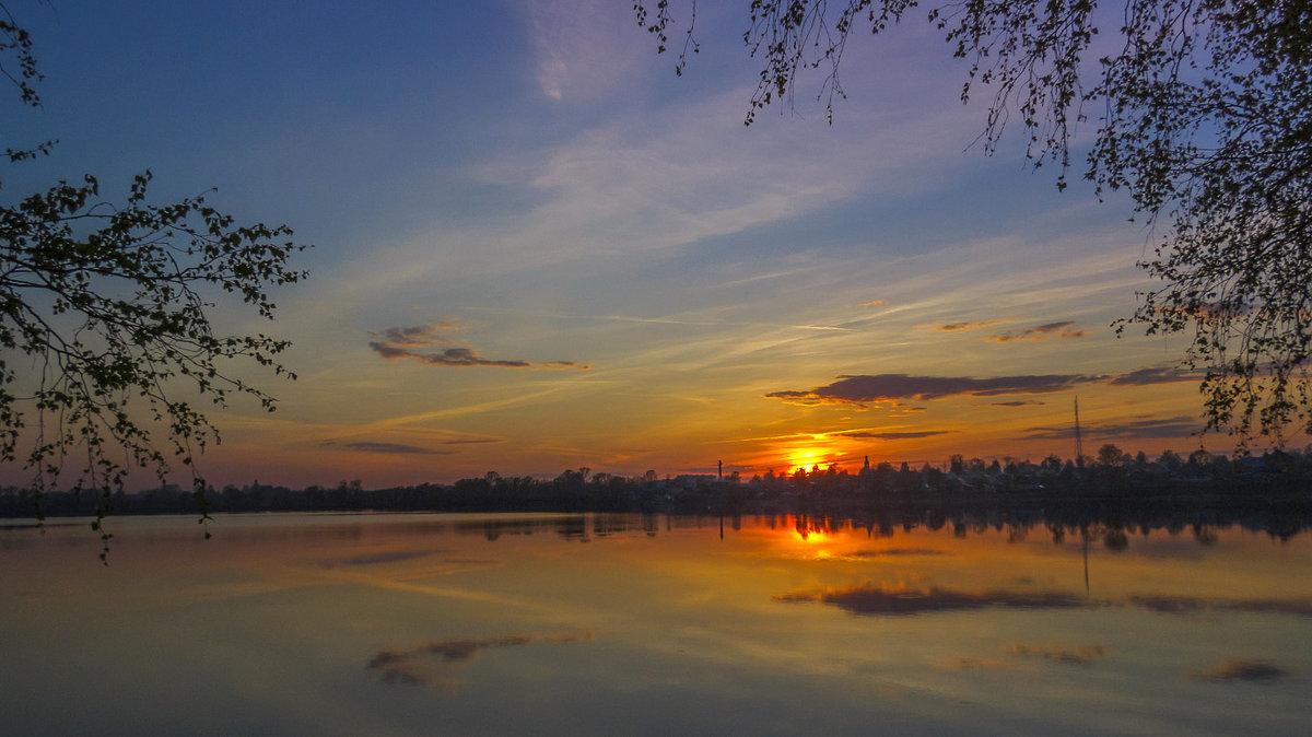 Закат на озере - Сергей Цветков