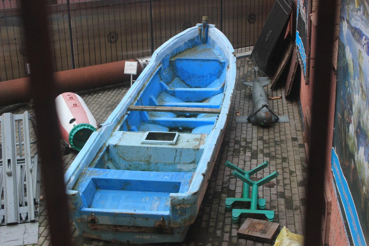 Лодка сомалийских пиратов. - Марина Домосилецкая