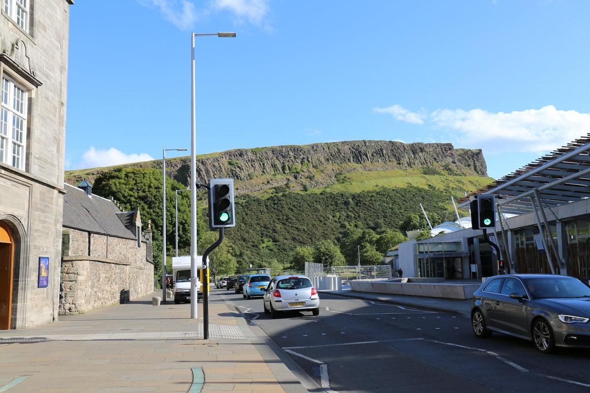 "Эдинбург. Вид на гору ""Седло короля Артура"" - vadimka"
