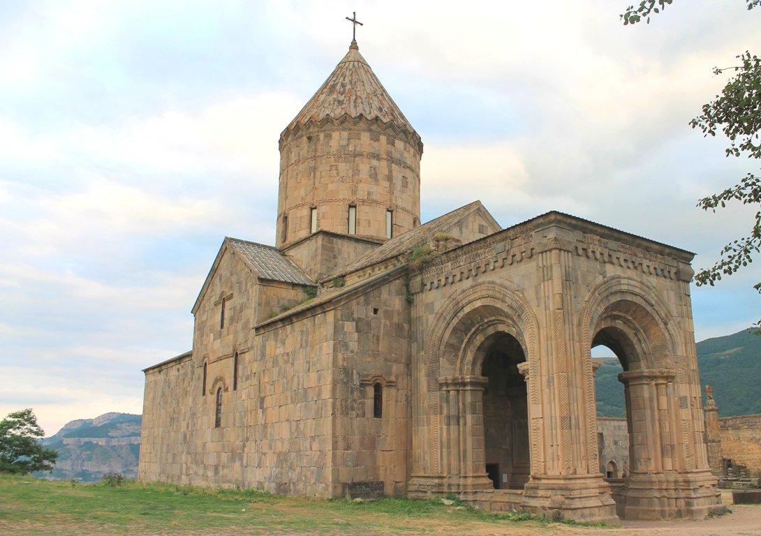 Монастырь Татев, р. Армения - Арам