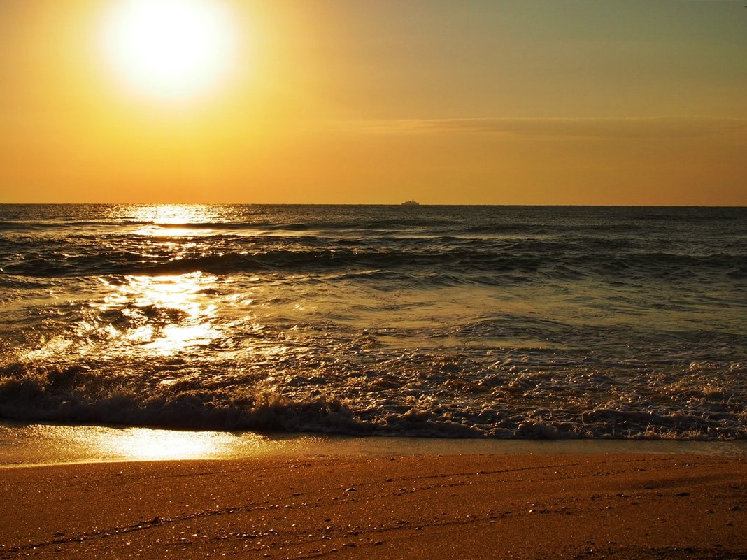 На море все восходы превосходны! - Alm Lana