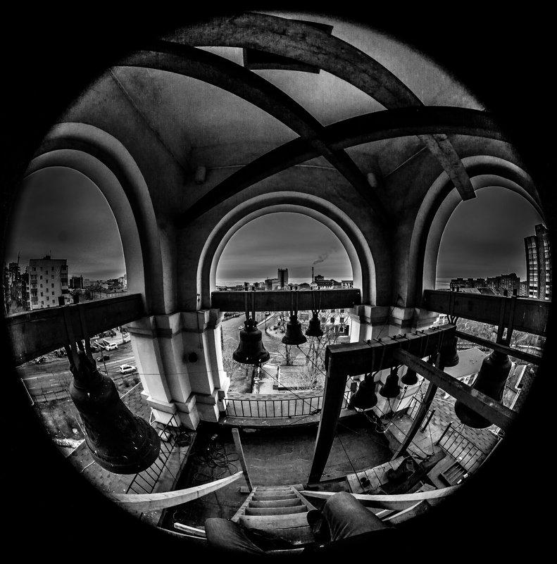 вечером на колокольне - Олег Семенов