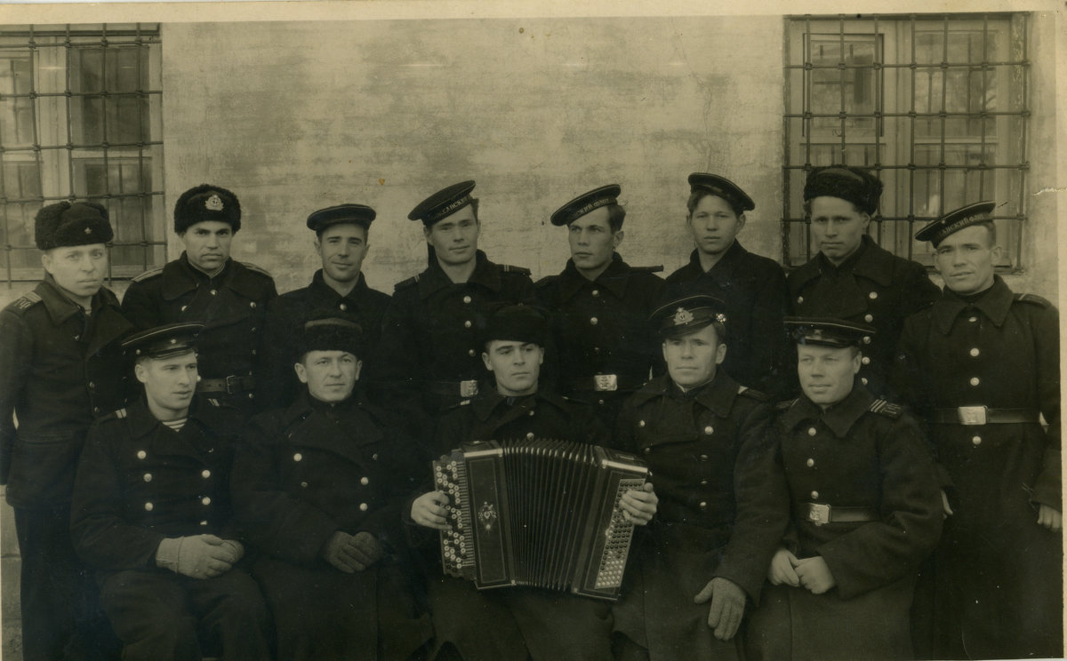 "Команда сторожевого корабля ""Партизан"", 1943(?), Тихоокенский флот, почти все погибли - Юрий Поляков"