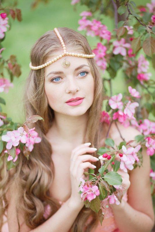 Цветение - Лариса Костина