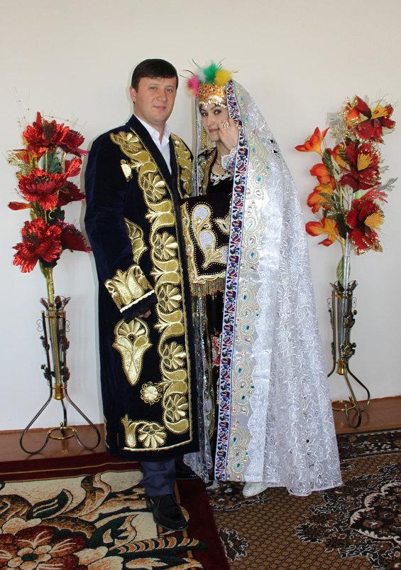 Национальные костюмы жениха и невесты - великая сила!!! - Михаил Костоломов