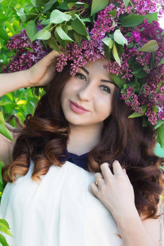 Девушка в сирени - Виктория Грибина