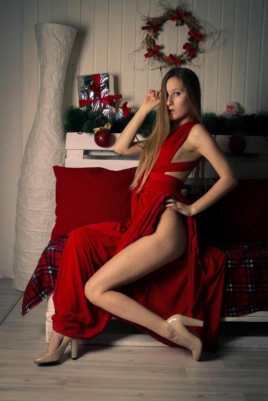 Девушка в красном - Елена Родионова