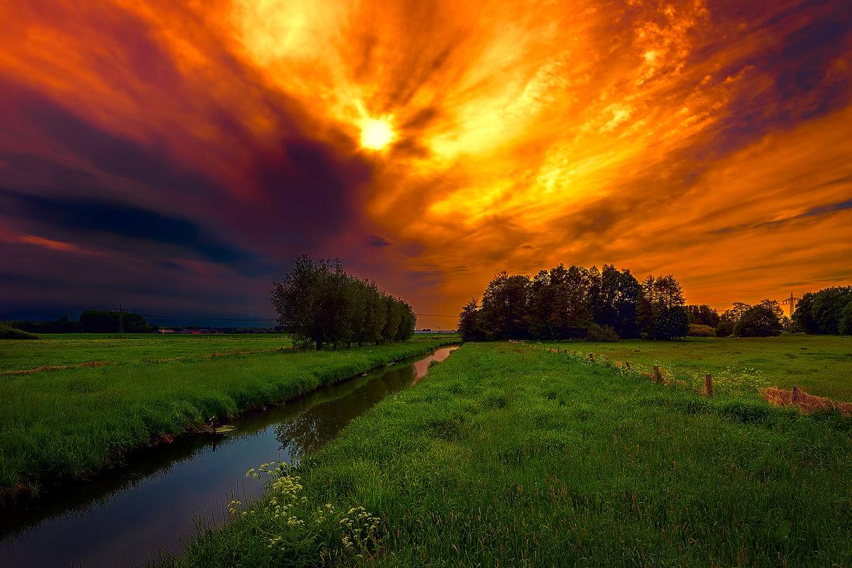 Вечер перед грозой - Сергей Морозов