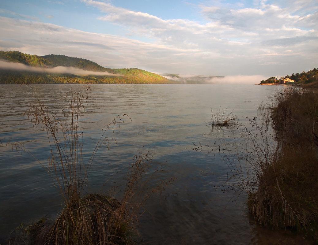 Осенним утром на реке... - Александр Попов