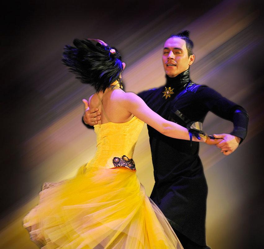 В экстазе танца - Владимир Черкасов
