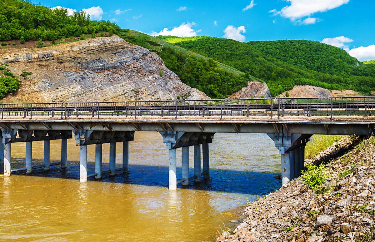 Мост над Агиделью - Любовь Потеряхина
