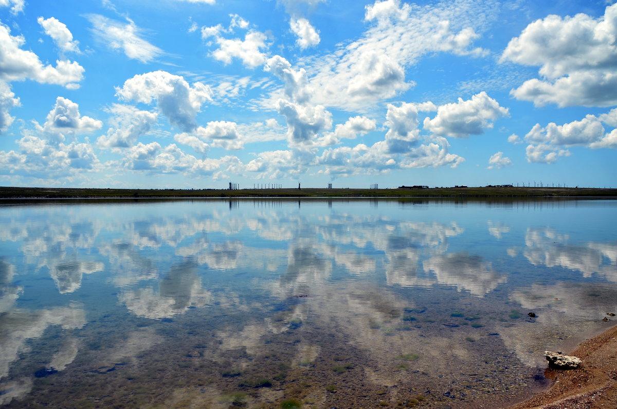 В море смотрятся облака... - Ольга Голубева