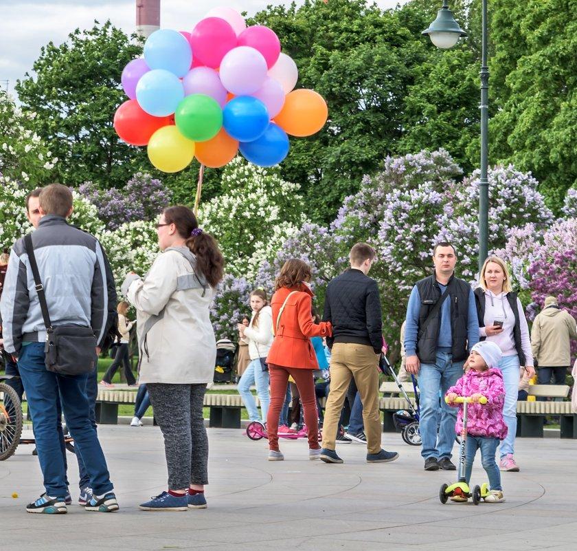 Девочка и шары - Александр Орлов