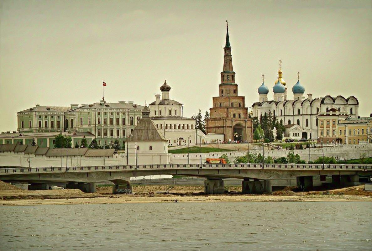 Казань. Первые теплые дни мая 2014 года - Андрей Головкин