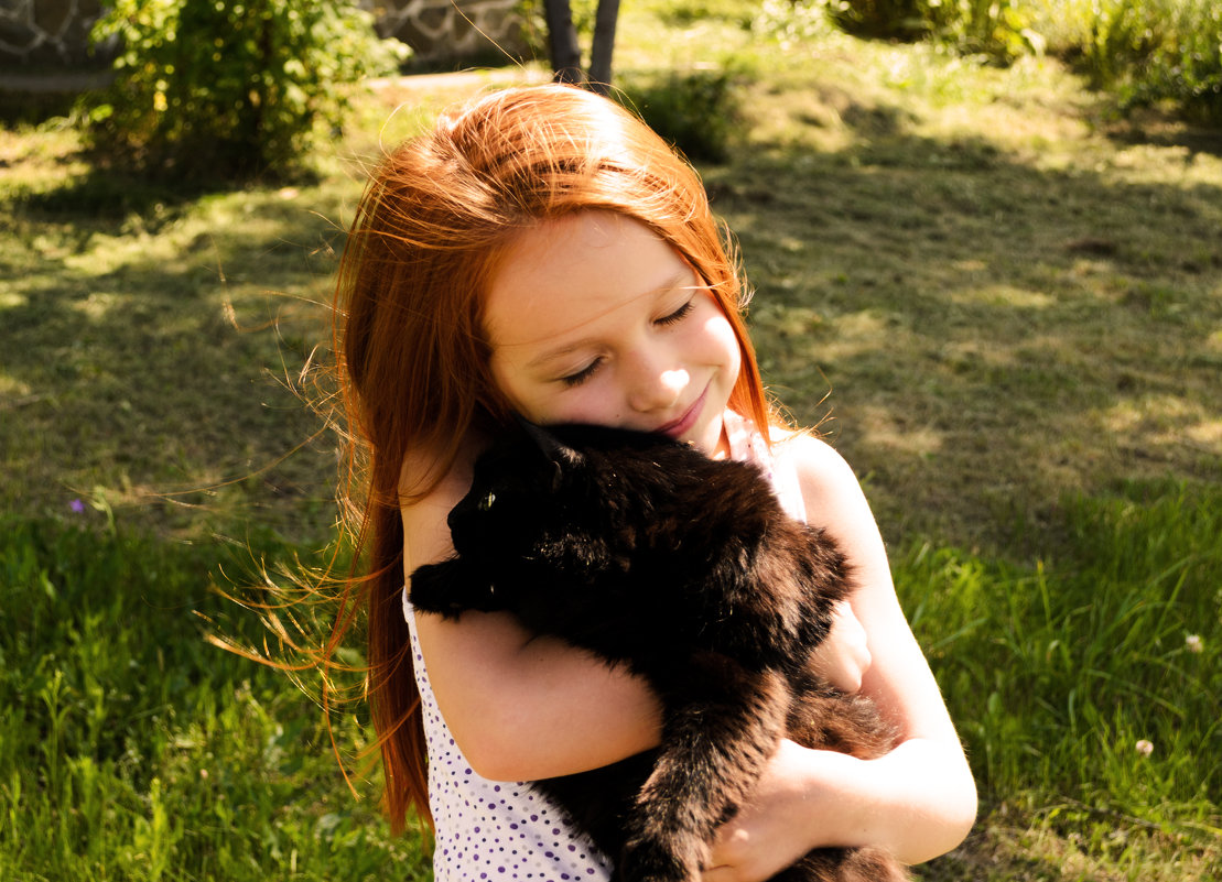 Девочка с котом - Алиса Нелеп