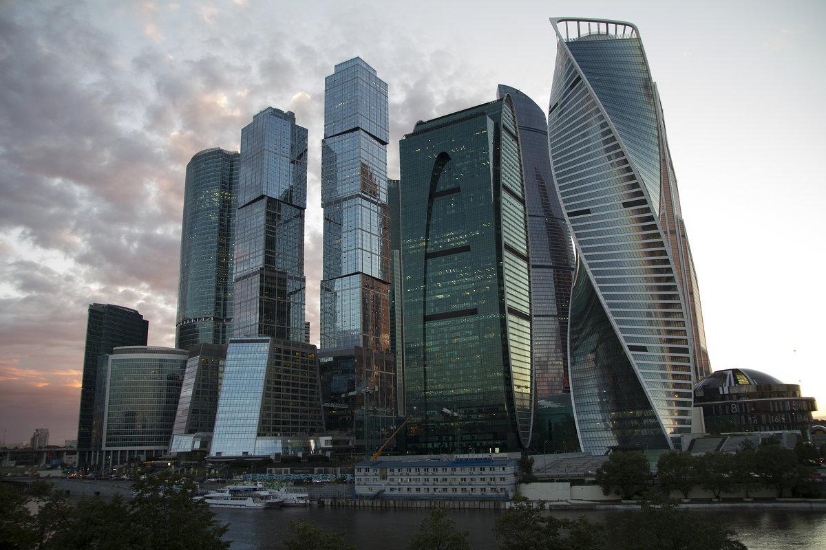 Вечерело....Москва-Сити - Слава