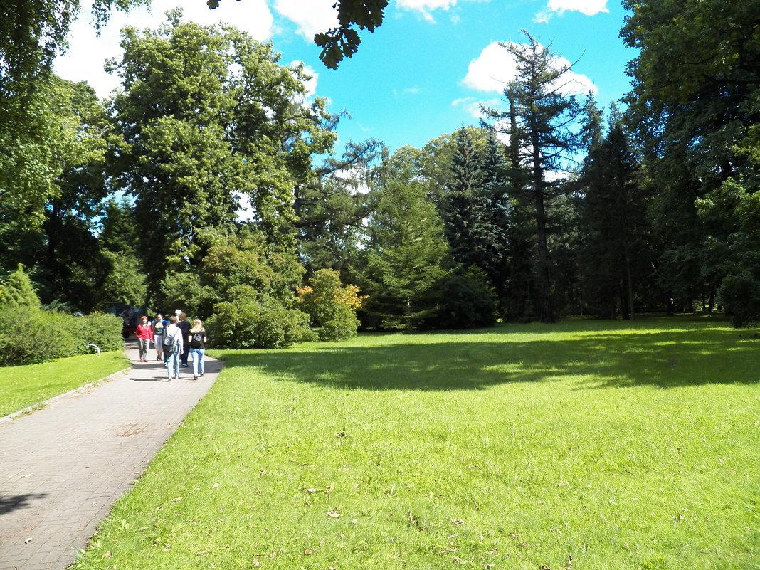 Ботанический сад - Виктор Елисеев