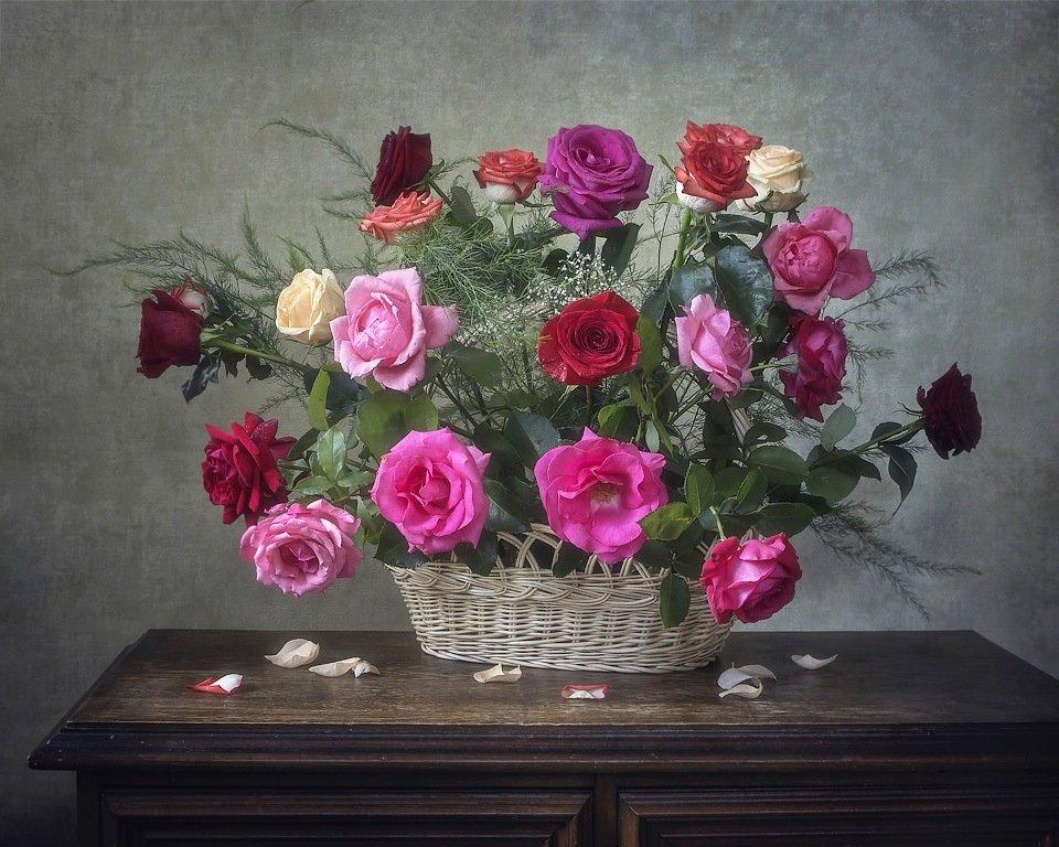 Корзина садовых роз - Ирина Приходько