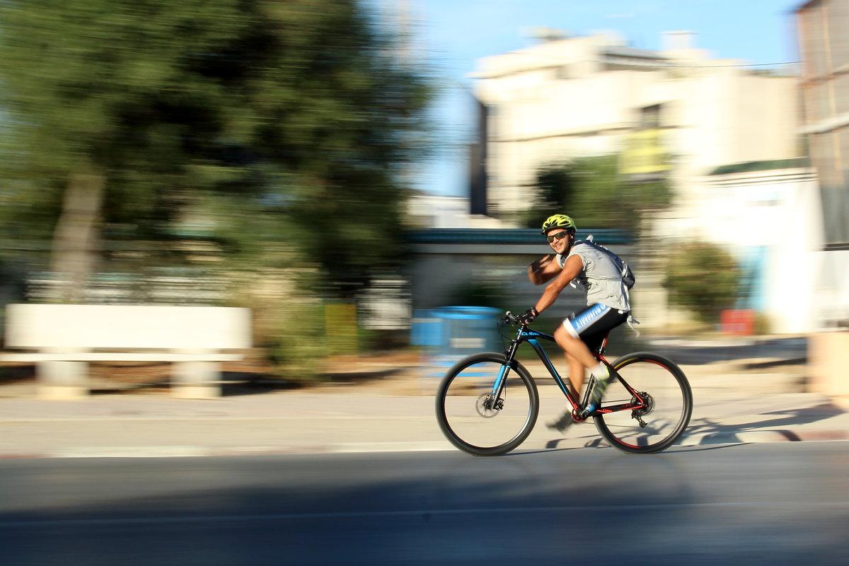 велосипедист - Annie Amar
