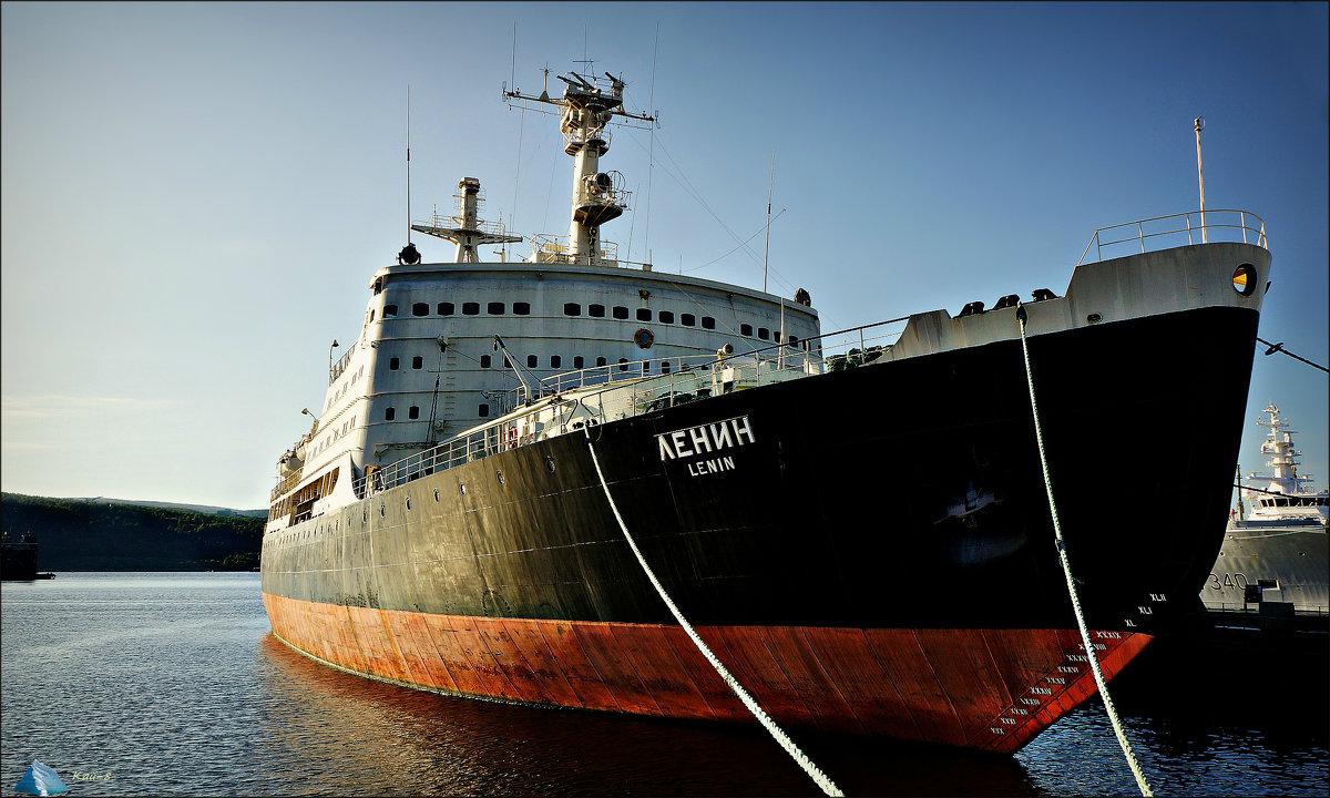 Атомные ледоколы России продолжают обеспечивать военный флот - Кай-8 (Ярослав) Забелин
