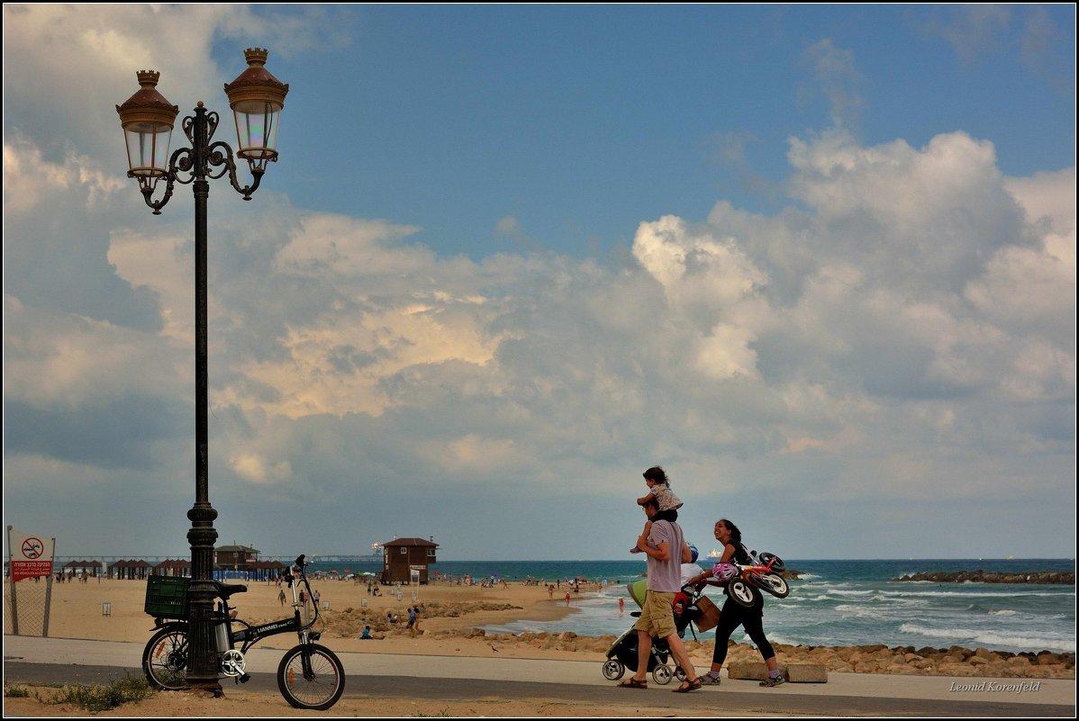 На пляж. - Leonid Korenfeld