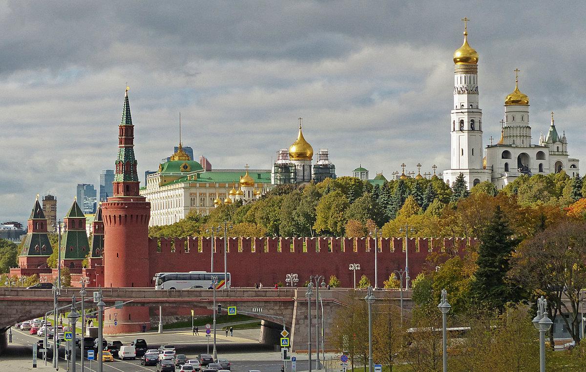 кремлем знакомство с