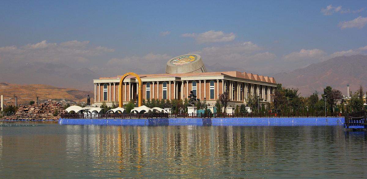 Национальный музей в Душанбе - Андрей