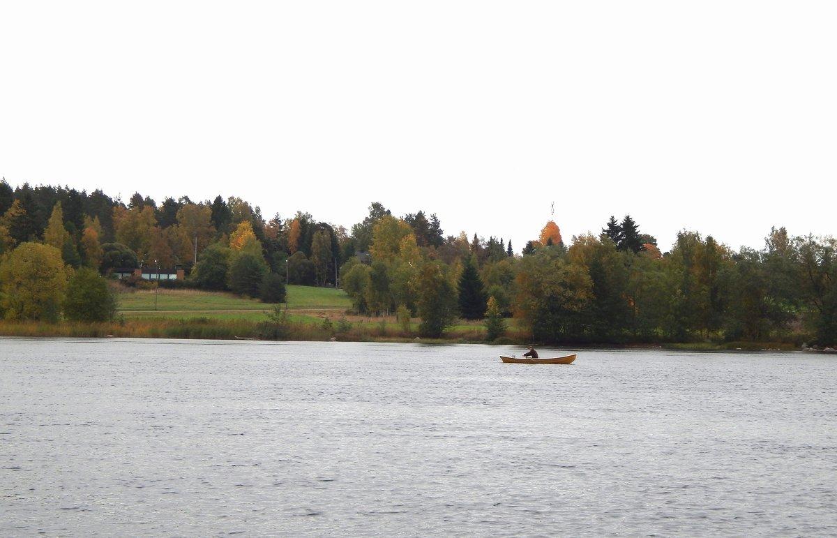 Страна Suomi. Одинокий рыбак. - Лариса (Phinikia) Двойникова