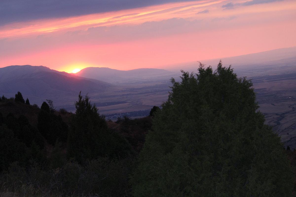 закат в горах, Казахстан ЮКО - Бахытжан