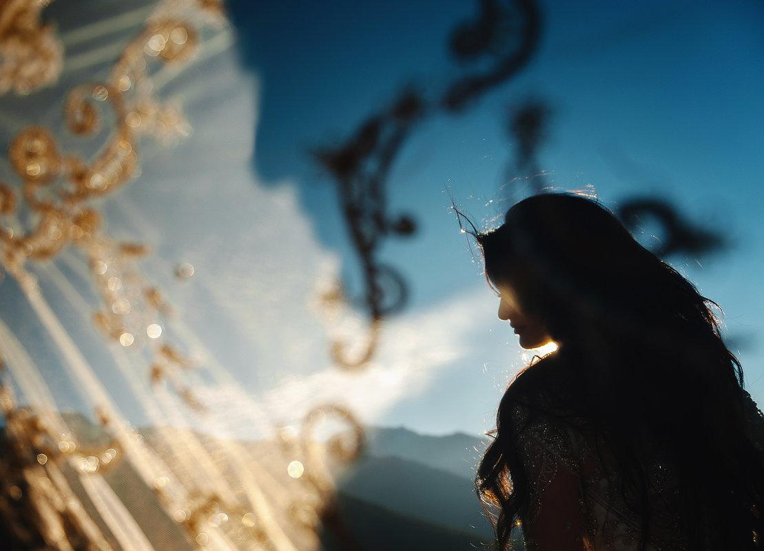 Альбина в лучах солнца... - Батик Табуев