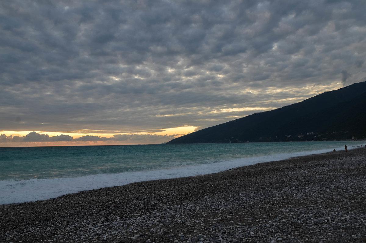 Черноморское побережье в Гаграх - Ирина Никифорова