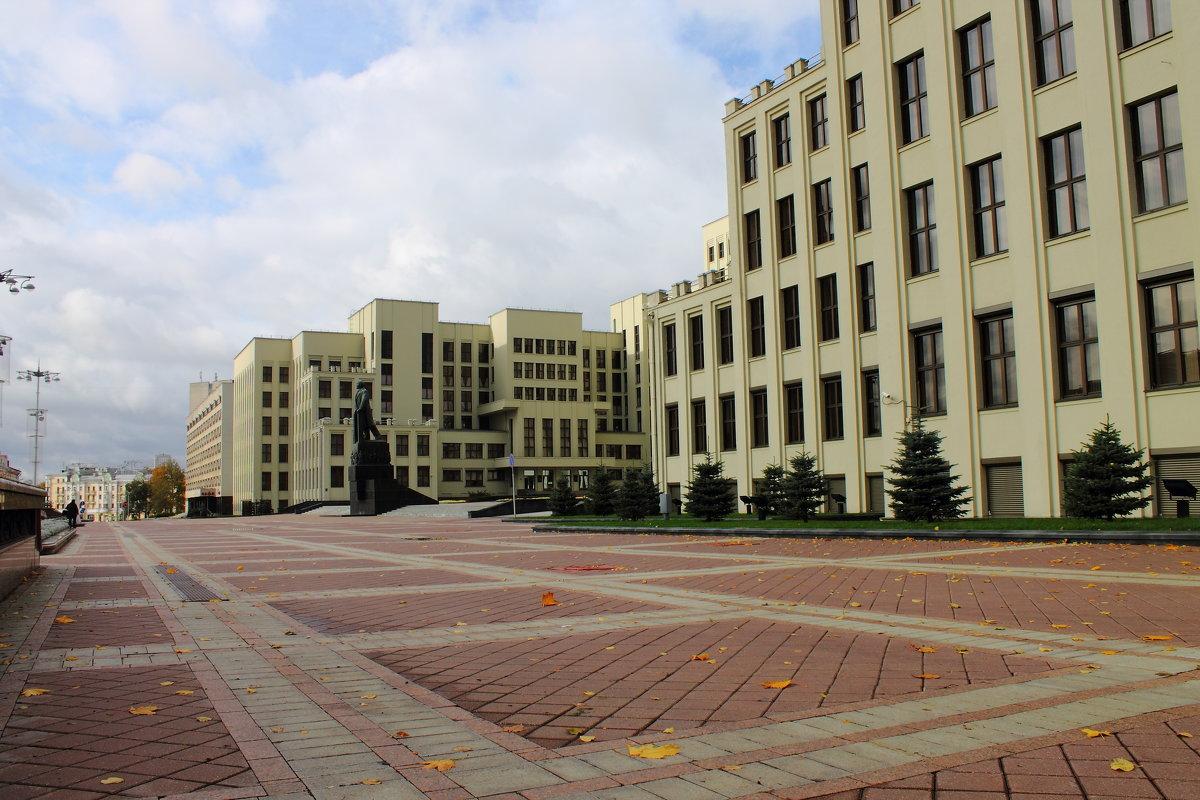 Площадь - Владимир Шевченко