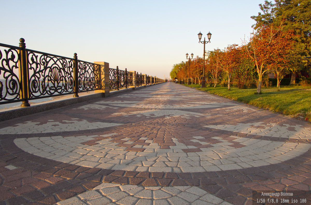 Набережная в городе Ейск - Александр