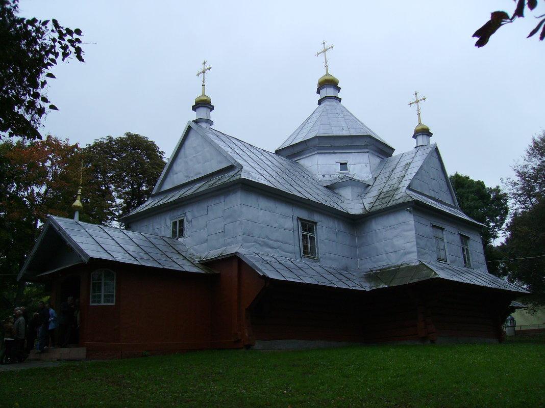 Греко - католический   деревянный   храм   в   Отыние - Андрей  Васильевич Коляскин