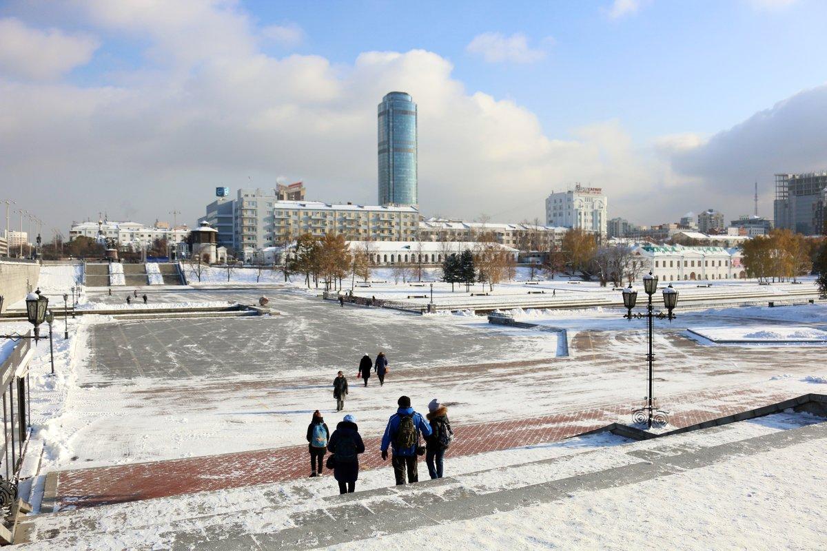 На набережной Екатеринбурга - Ольга