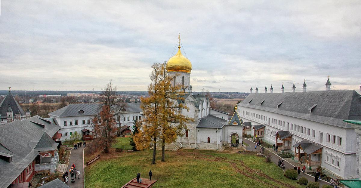 Над монастырскими стенами... - Ирина Котенева
