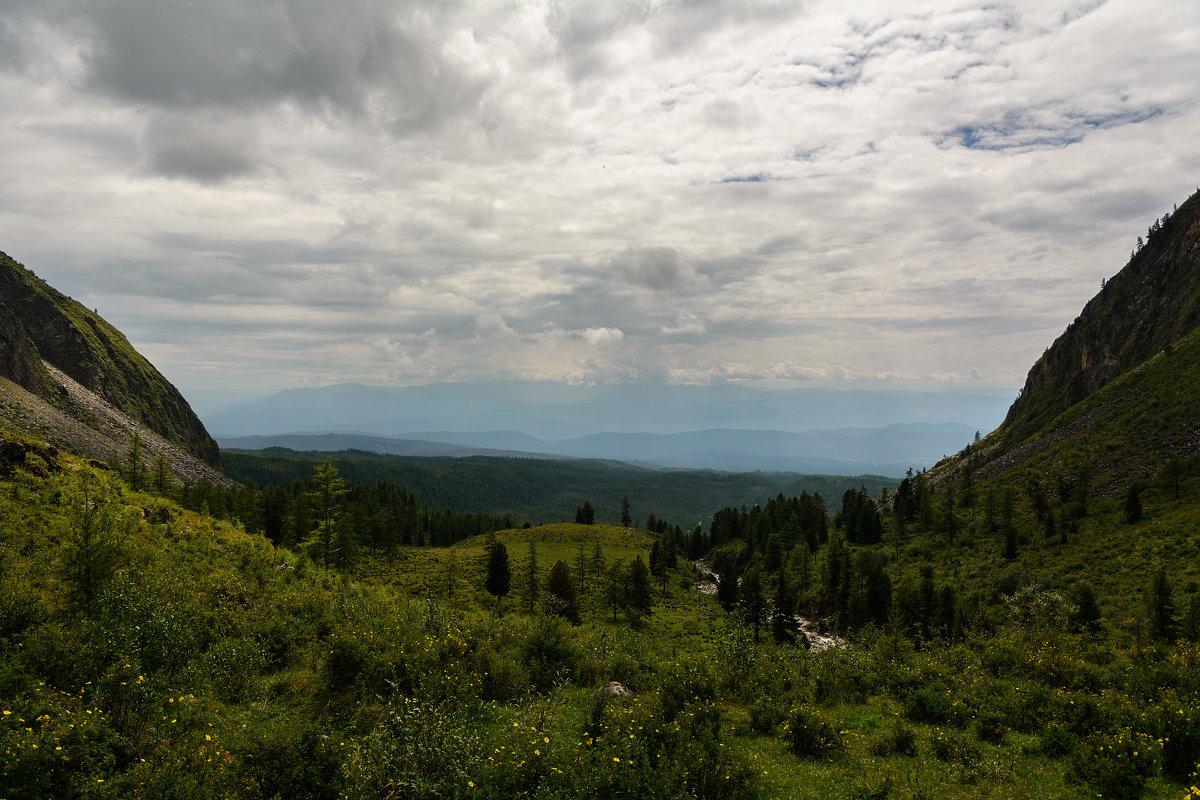 Вид на Хамар-Дабан из долины р.Хубуты - Александр Шацких