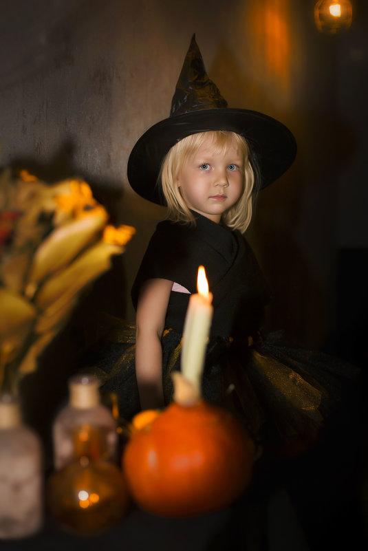 маленькая ведьмочка - Tanya Petrosyan