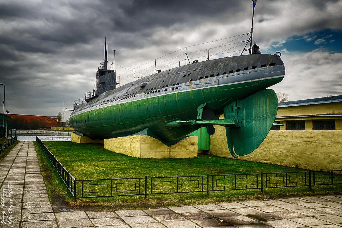 Питер Подводная лодка на Наличной улице - Юрий Плеханов
