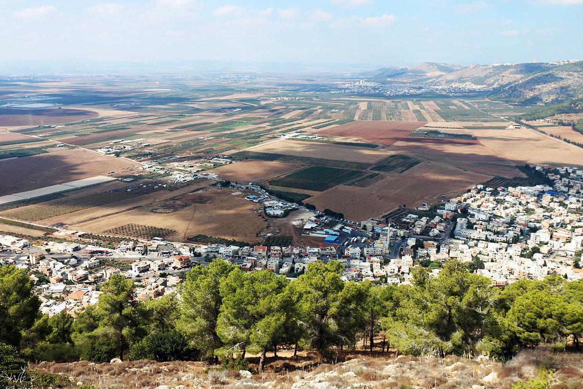 Долина Изреель с видом на город Назарет ..... - Aleks Ben Israel