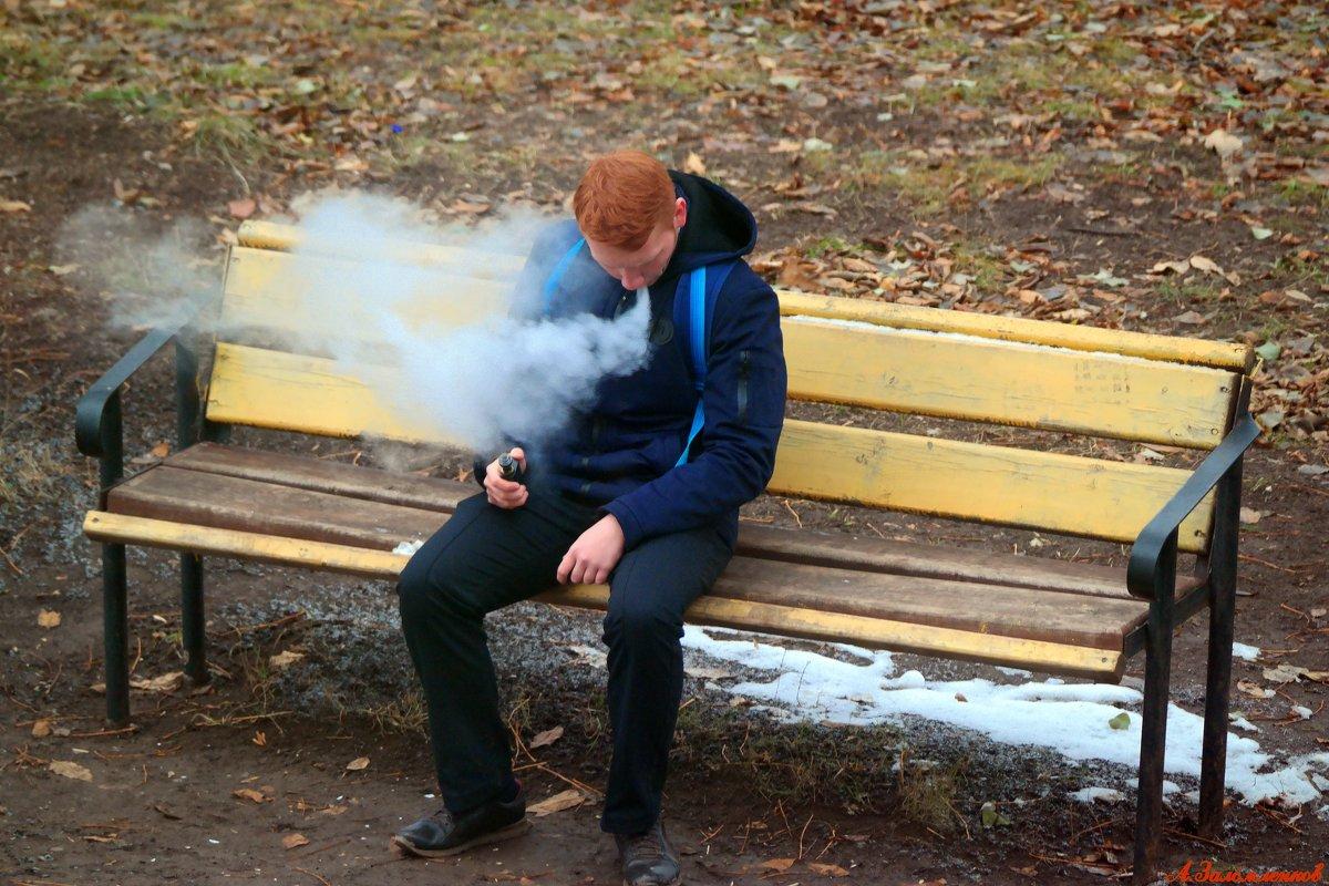 Если вейперу отрезать голову, он еще пять минут будет выпускать пар со вкусом лесных ягод:) - Андрей Заломленков